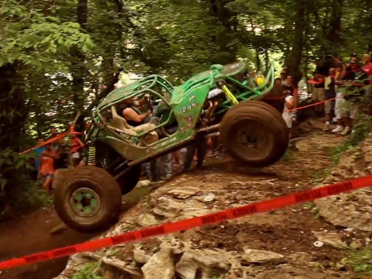 VIDEO: Holley Supports Southern Rock Bouncing And Trail Ride Event