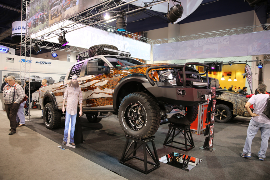 SEMA 2013: Ford, GM And Tundra Taking To The Sky With Skyjacker