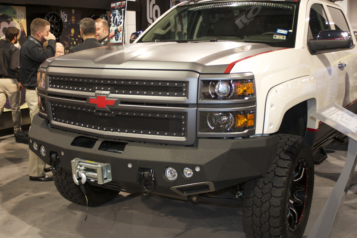 SEMA 2013: Four Wheel Parts Offers All Sorts Of New Off-Road Goods!