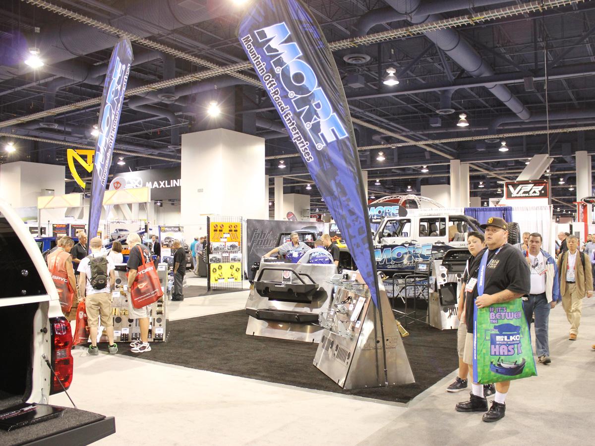 SEMA 2013: M.O.R.E. Offers Ford/GM Hide-A-Steps, New Brackets