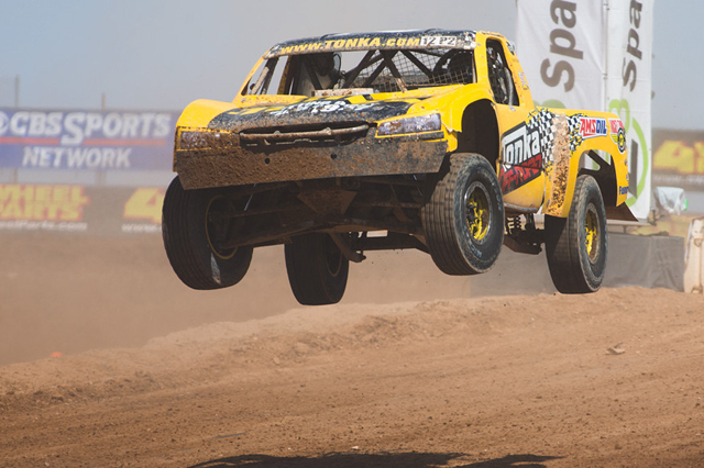 Mickey Thompson Tires Returns To 2014 Lucas Oil Off Road Racing
