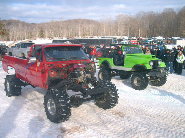 VIDEO: Griztek Snow Challenge - Side-By-Side Hill Climb Truck Drags