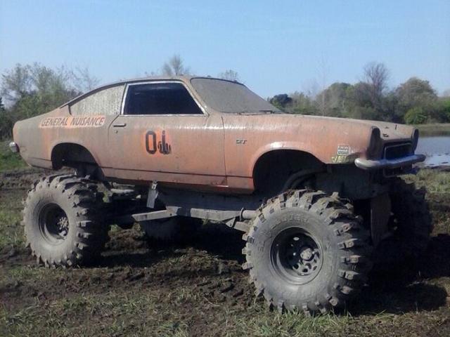 MuddFreak 4x4 Mud Bogging The FARM Mega truck mud bog big bend ...