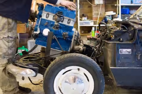 VIDEO: 3,000 Frame Time Lapse Of Step-By-Step Engine Rebuild