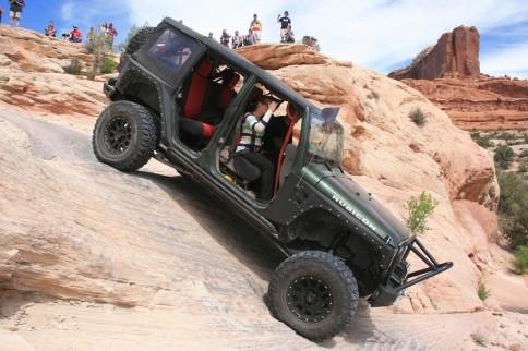 VIDEO: Tom Scott's Rockin' 2007 Jeep Wrangler Rubicon
