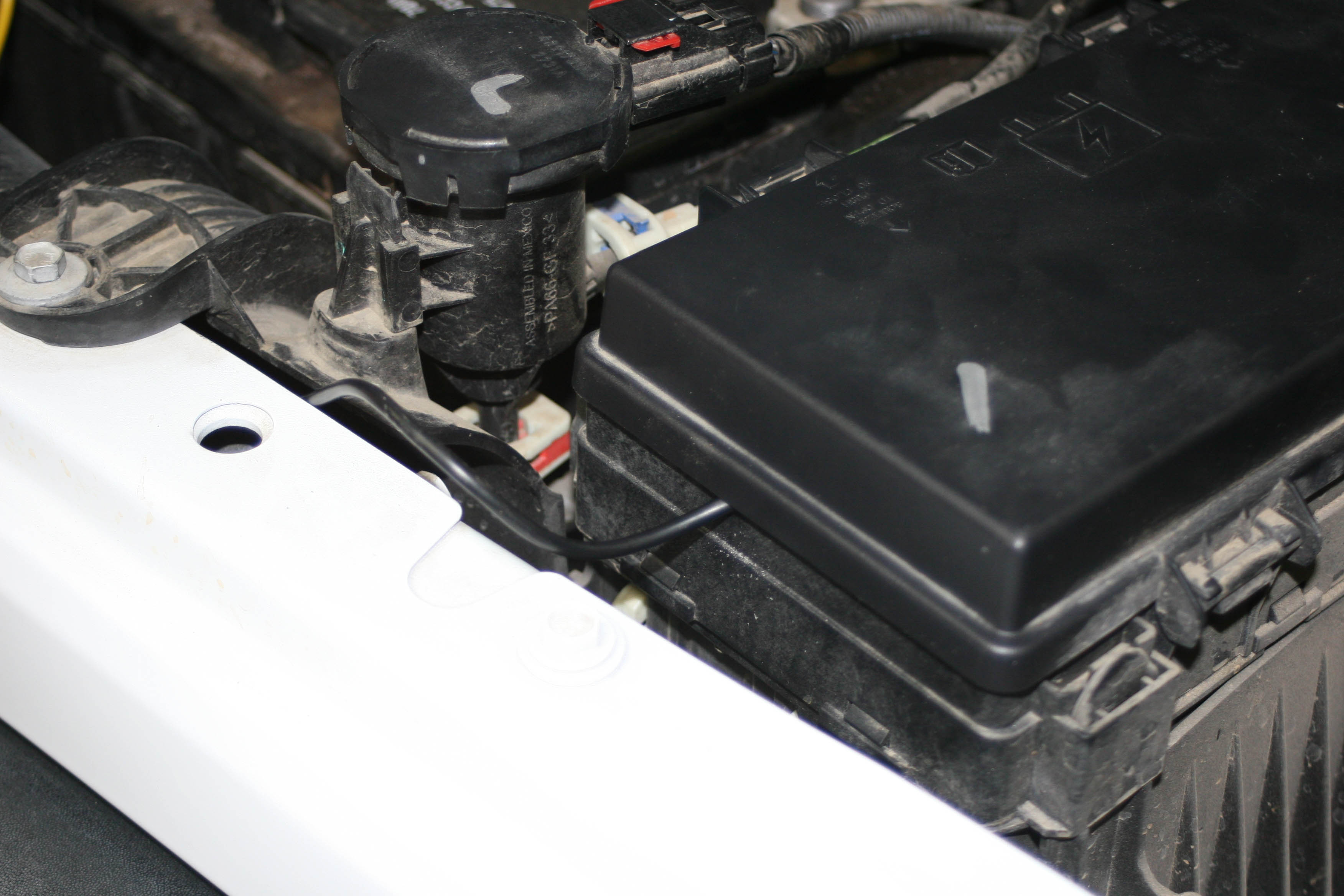 Bully Dog Gt Tuner For The Jeep Delivers Special Features And Power Tj Rubicon Fuse Box Using A Test Light Key On Was Found Left Tap Cord Snaked From Through Fire Wall