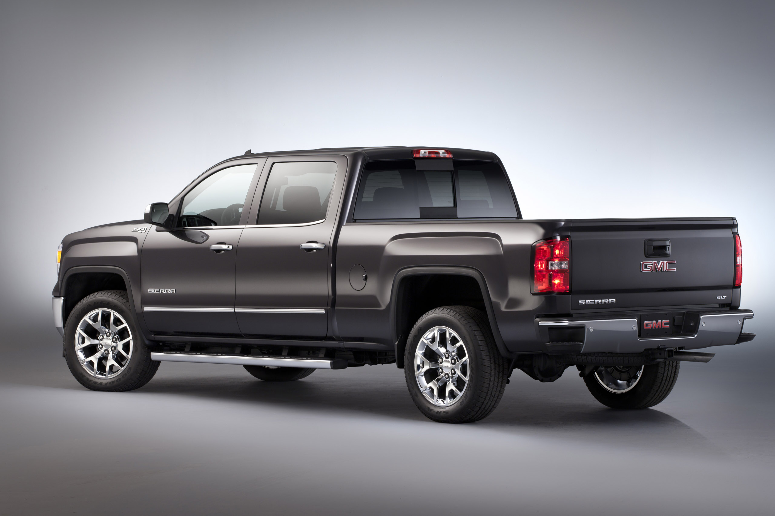 Gmc Debuts 2015 Sierra 1500 Carbon Editions Stylish And Distinct Off Road Xtreme