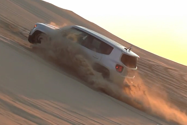 Video: Sand Surfing A 2015 Jeep Renegade Trailhawk - Off Road Xtreme