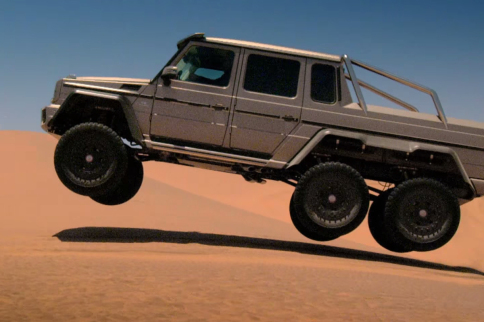 Video: Romping A MBZ G63 AMG 6x6 In Abu Dabui With Top Gear
