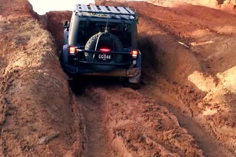Video: Open Diff Versus ARB Air Locker on Muddy Hill Climb
