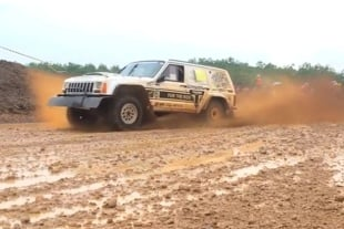 Video: Indonesia Xtreme Off Road Racing Series – Muddy Fun!