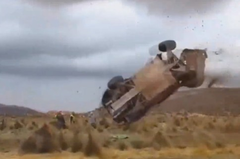 Video: Huge Crash At Dakar Rally 2015