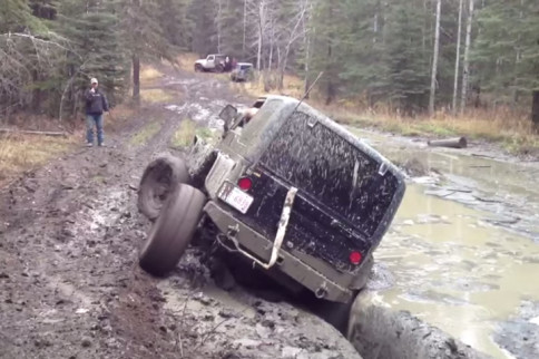 Video: Jeep Gets Stuck In Mud, Has No Option But To Go For Broke