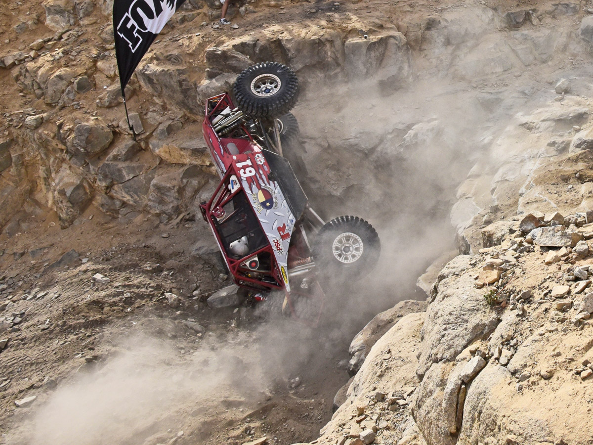 Video: 2015 King Of Hammers: More Rocks and Carnage, Fewer Survivors