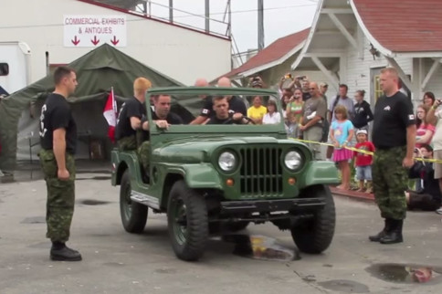 Video: Can You Tear Down A Jeep & Put It Back Together In 3 Minutes?