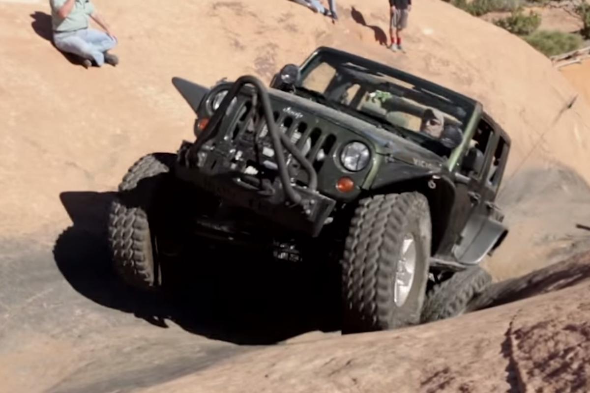 Video: 2015 Moab Easter Jeep Safari Rock Crawling ...