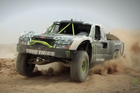 Video: Trophy Trucks At The Edge Of Control
