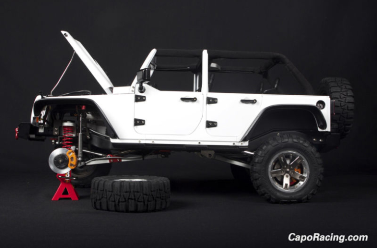 Video: Ridiculously Detailed 1/8th Scale Jeep Wrangler A $2,300 Toy