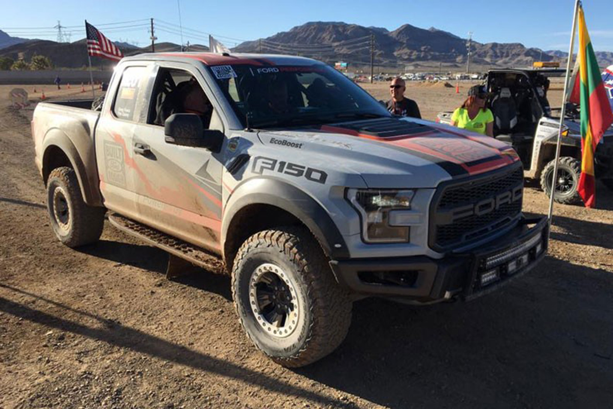 Lastest Factory Stock Ford F150 Raptor Is Best In The Desert