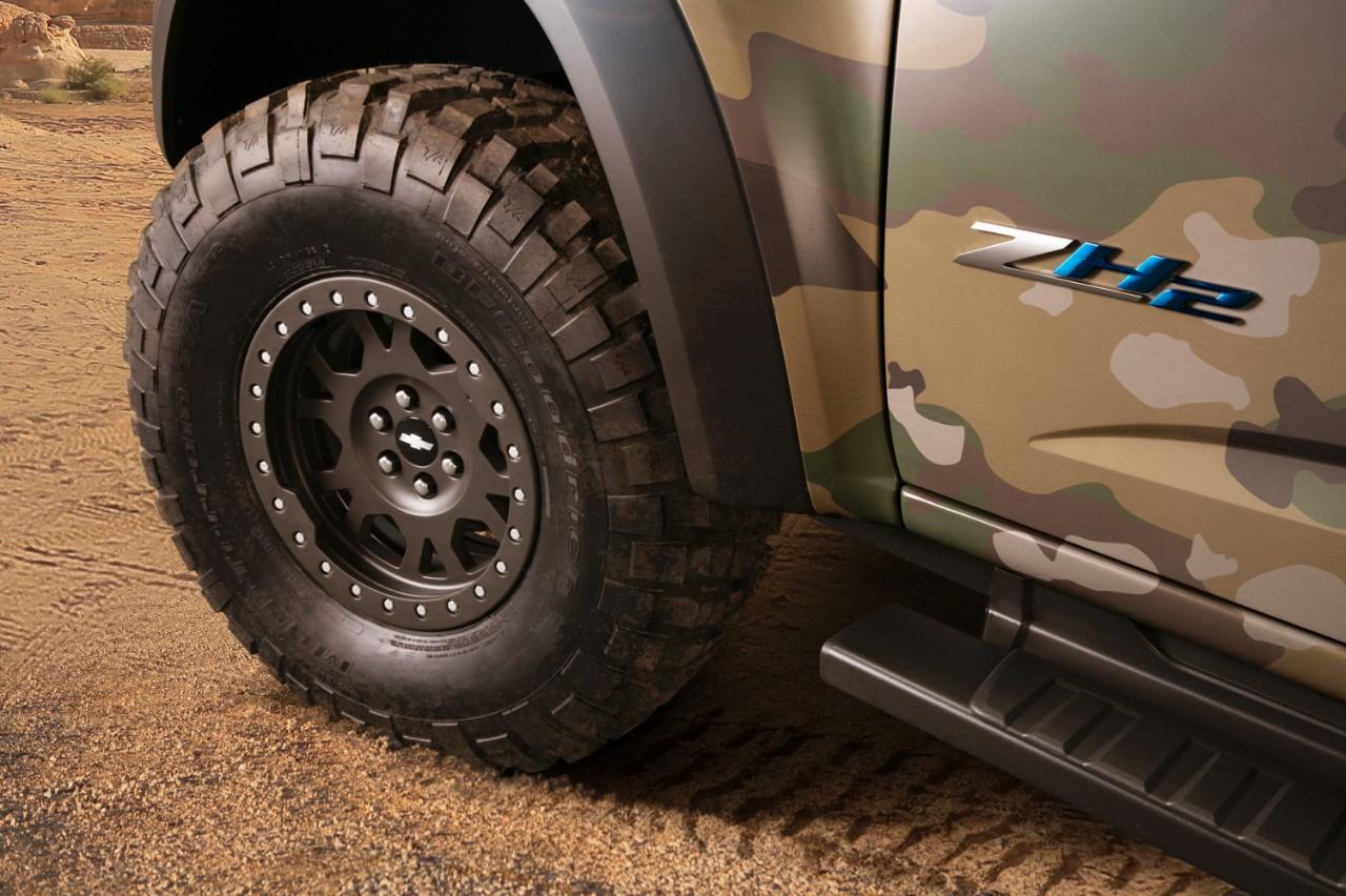Military Machines: Hydrogen-Powered Chevrolet Silverado ...