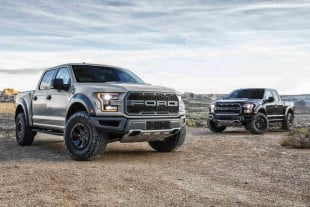 "Cars.com Names All-New F-150 Raptor ""Best Pickup of 2017"""