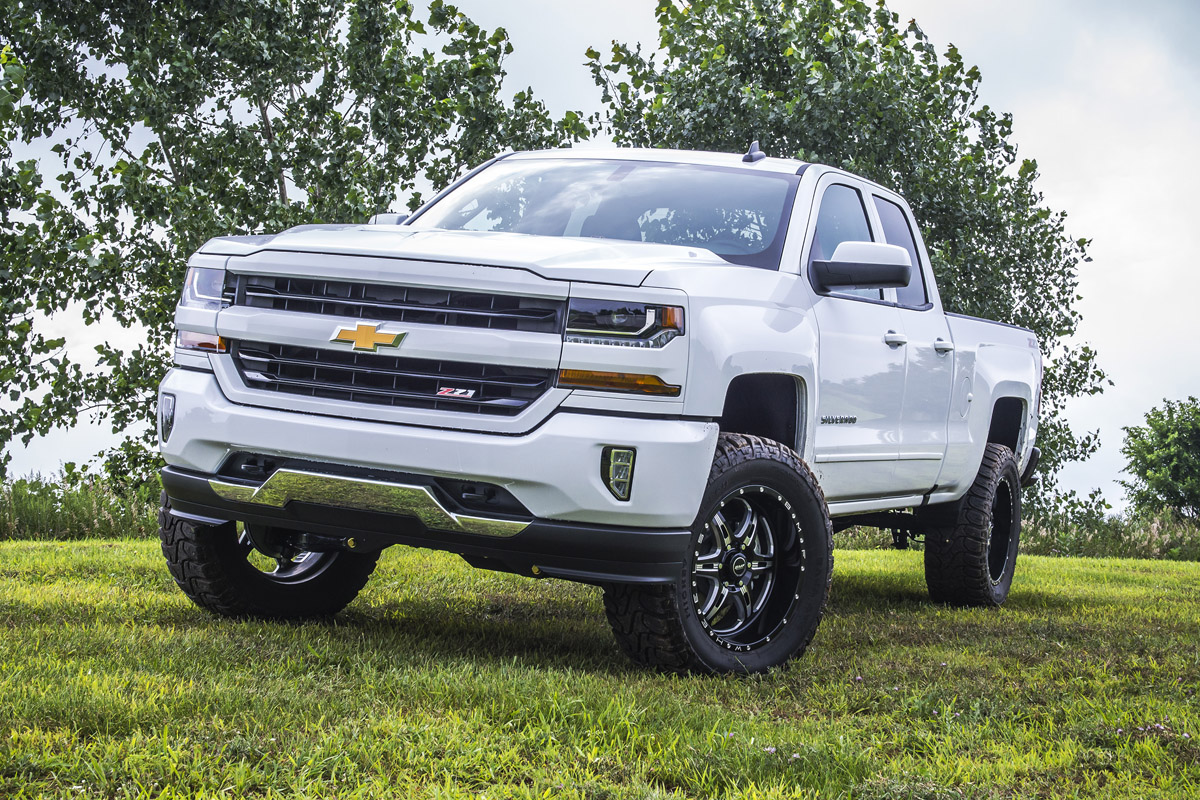 BDS Suspension Releases 2017 Chevy/GMC 1500 Lift Kits