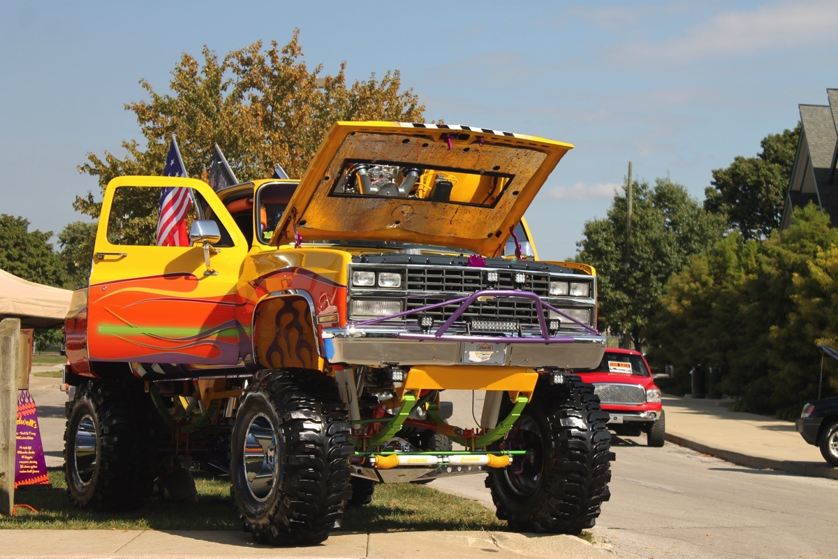 Day 1 Video Recap From 4-Wheel Jamboree, Indianapolis
