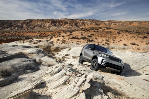 Land Rover is Developing Autonomous Off-Road Vehicles