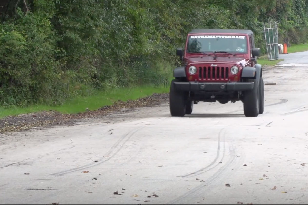 Video: Reviewing Mesh Jeep Tops With Extreme Terrain
