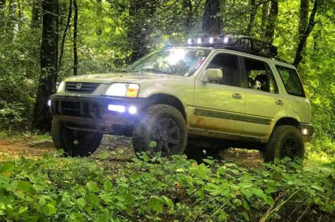 A True Crossover: Jacob Sanders' Lifted 1998 Honda CR-V