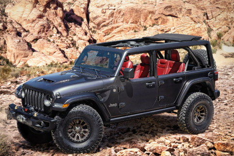 Stealing Thunder: Jeep Wrangler Rubicon 392 Boasts 6.4-Liter V8