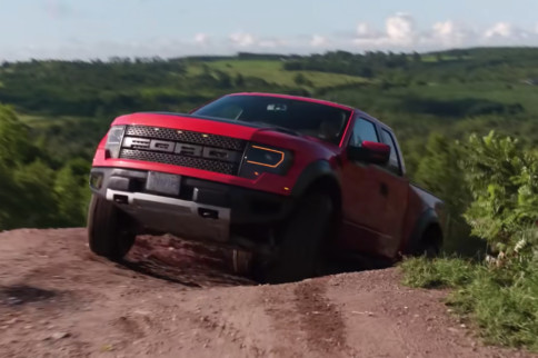 Video: Reviewing A High-Mileage 2010 Raptor In The Dirt
