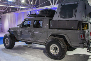 SEMA 2020: Button Built Gladiator At Toyo Tires Treadpass